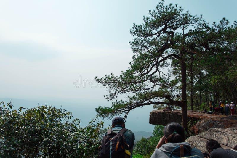 Δύση Kradueng απότομων βράχων Sak Lom μέχρι το τέλος στοκ φωτογραφία