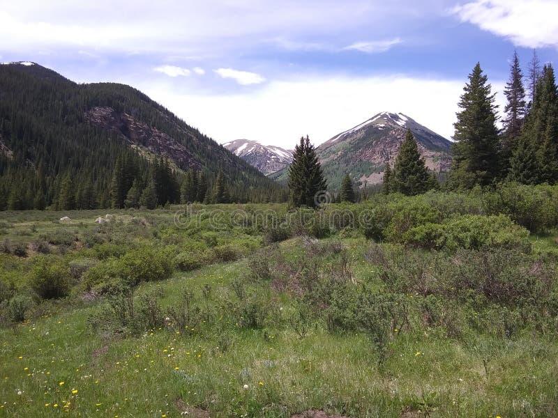 Δύσκολες άγρια περιοχές βουνών στοκ φωτογραφίες με δικαίωμα ελεύθερης χρήσης