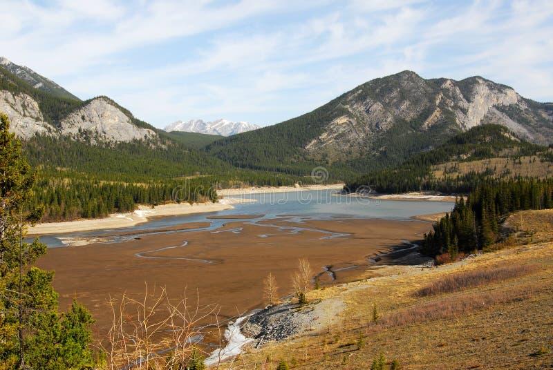 δύσκολη άνοιξη βουνών λιμ&nu στοκ εικόνες με δικαίωμα ελεύθερης χρήσης