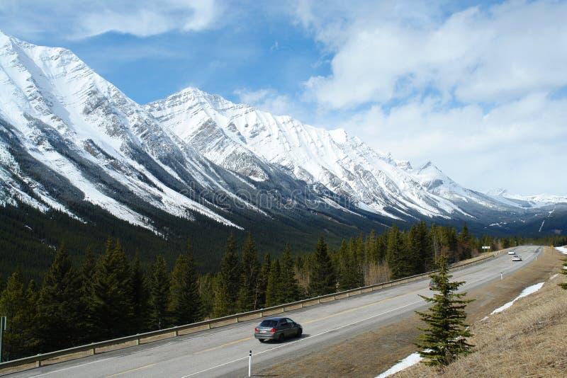 δύσκολη άνοιξη βουνών στοκ εικόνα με δικαίωμα ελεύθερης χρήσης