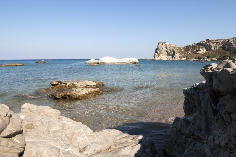 Δύσκολη ακτή στο νησί της Ρόδου στοκ εικόνα με δικαίωμα ελεύθερης χρήσης