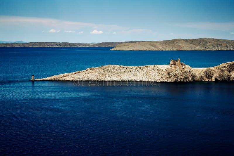 Δύσκολη ακτή του κεντρικού μέρους της Κροατίας στοκ φωτογραφία με δικαίωμα ελεύθερης χρήσης