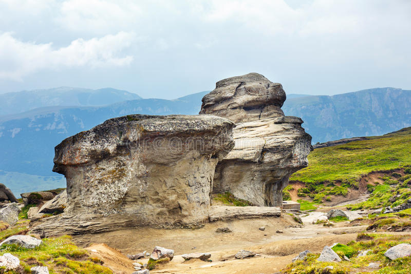Δύσκολες δομές στα βουνά Bucegi στοκ εικόνες