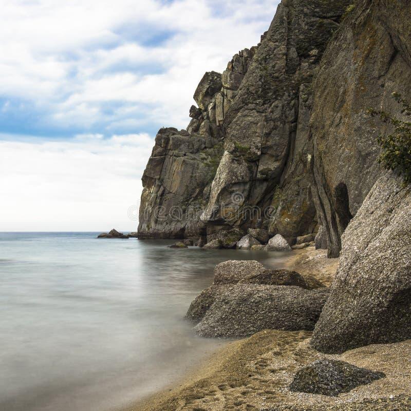Δύσκολη ακτή της λίμνης Baikal στοκ εικόνες