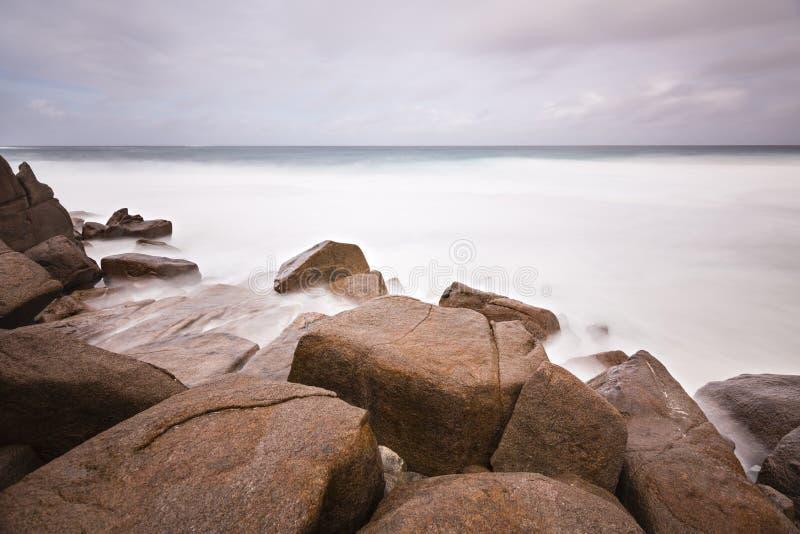 Δύσκολη μακροχρόνια έκθεση ακτών, Mahe, Σεϋχέλλες στοκ εικόνες