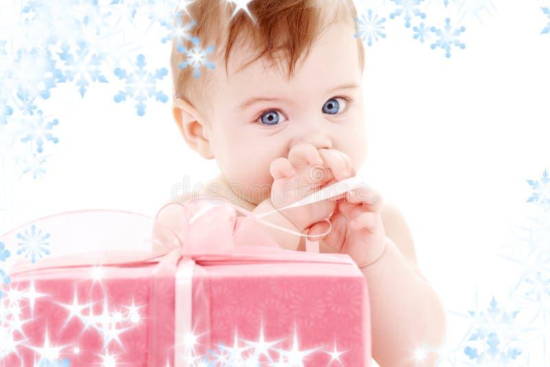δώρο αγοριών κιβωτίων μωρών στοκ εικόνες