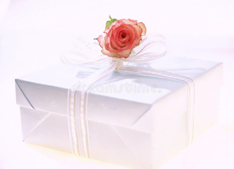 Download δώρο κιβωτίων στοκ εικόνα. εικόνα από boxcar, συσκευασία - 107637