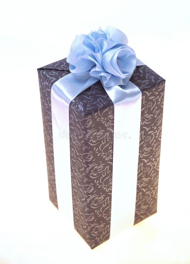 Download δώρο κιβωτίων στοκ εικόνα. εικόνα από παρόν, τύλιγμα, δώρο - 108395