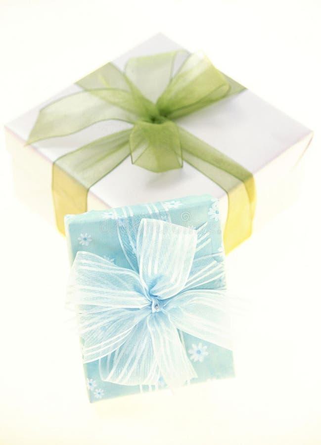 Download δώρο κιβωτίων στοκ εικόνα. εικόνα από παρόν, έγγραφο, τύλιγμα - 108403