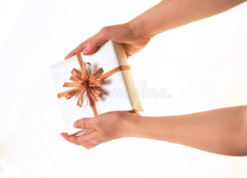 Download δώρο κιβωτίων στοκ εικόνα. εικόνα από χέρια, έγγραφο, εορτασμός - 111407