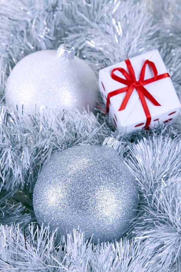 Download δώρο Χριστουγέννων μπιχλι στοκ εικόνες. εικόνα από μπιχλιμπιδιών - 17057694