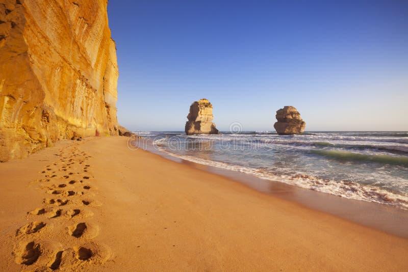 Δώδεκα απόστολοι στο μεγάλο ωκεάνιο δρόμο, Αυστραλία στο ηλιοβασίλεμα στοκ φωτογραφία με δικαίωμα ελεύθερης χρήσης