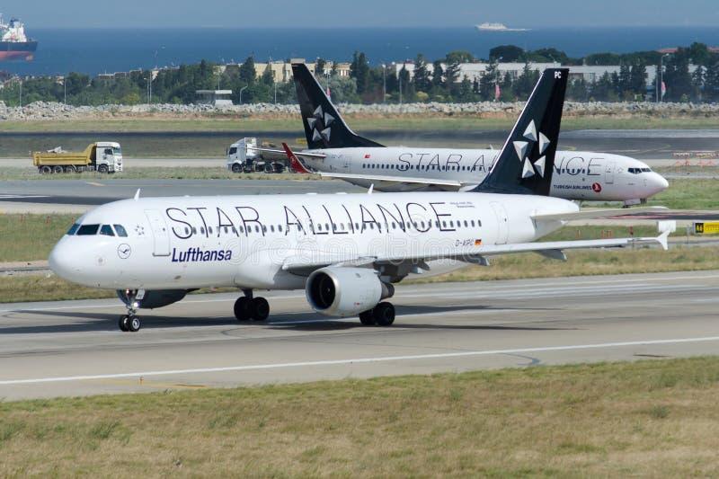 Δ-AIPC airbus A320-211 της Lufthansa στοκ εικόνες