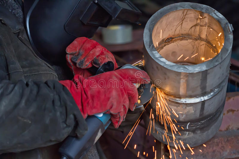 δείγμα ελέγχου συγκόλλησης του thick-walled σωλήνα ανοξείδωτου στοκ φωτογραφία με δικαίωμα ελεύθερης χρήσης
