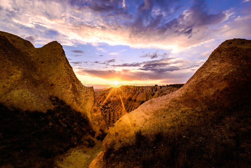 Είναι για το κόκκινο ηλιοβασίλεμα κοιλάδων, Cappadocia στοκ εικόνες με δικαίωμα ελεύθερης χρήσης
