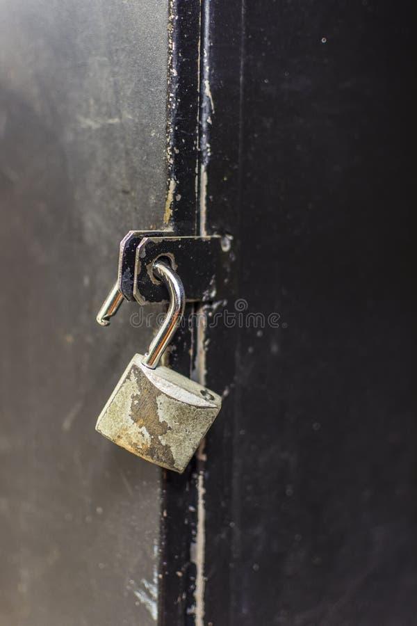 Είναι σημαντικό να προστατευθεί η μυστικότητά σας κλείδωμα που ξεκλειδών& στοκ φωτογραφία
