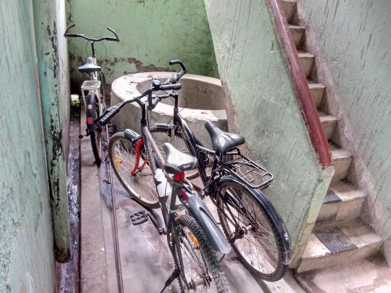 Είναι cycicle στάση στοκ φωτογραφία με δικαίωμα ελεύθερης χρήσης