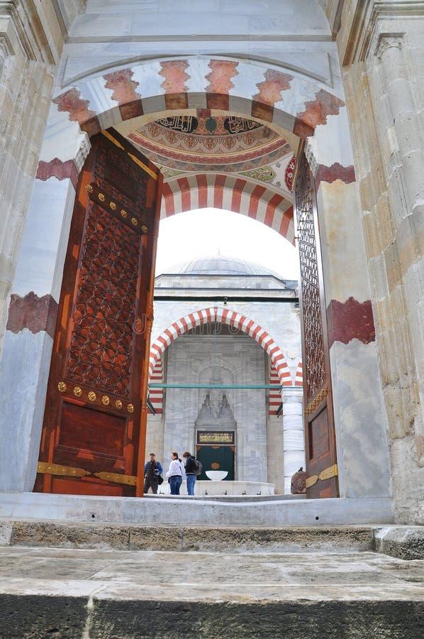 Είσοδος ενός μουσουλμανικού τεμένους στοκ εικόνες