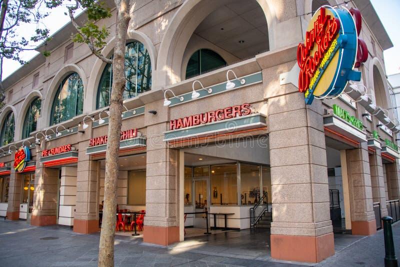 Είσοδος εστιατορίων πυραύλων του Johnny στο San Jose κεντρικός σε Καλιφόρνια στοκ εικόνες