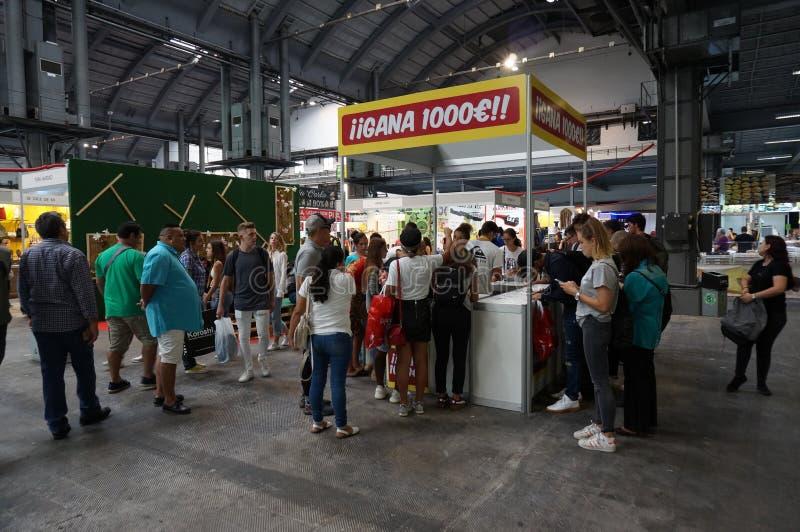 Είσοδος μιας λοταρίας στη ριζική αγορά στοκ φωτογραφία