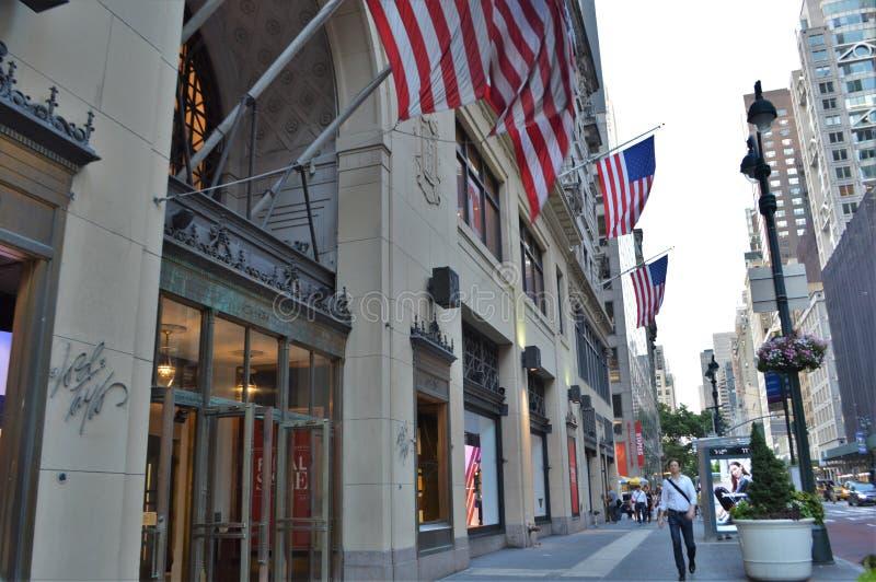 Είσοδος οικοδόμησης Λόρδου πόλεων της Νέας Υόρκης και πολυκαταστημάτων του Taylor στοκ φωτογραφίες