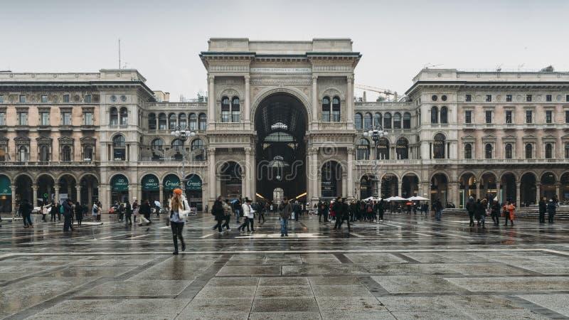 Είσοδος σε Galleria Vittorio Emanuele ΙΙ Piazza del Duomo, Μιλάνο, Λομβαρδία, Ιταλία στοκ φωτογραφία με δικαίωμα ελεύθερης χρήσης
