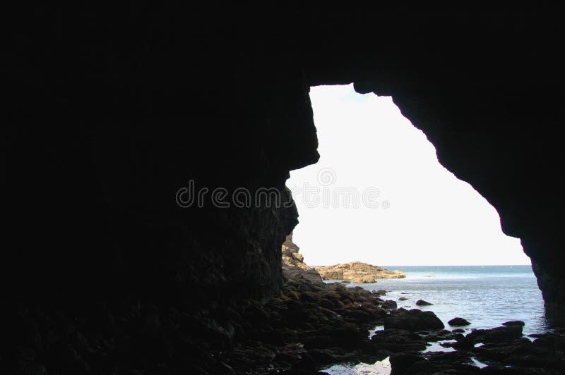 Είσοδος σπηλιών θάλασσας κοντά σε νέο Aberdour, Σκωτία στοκ φωτογραφίες με δικαίωμα ελεύθερης χρήσης