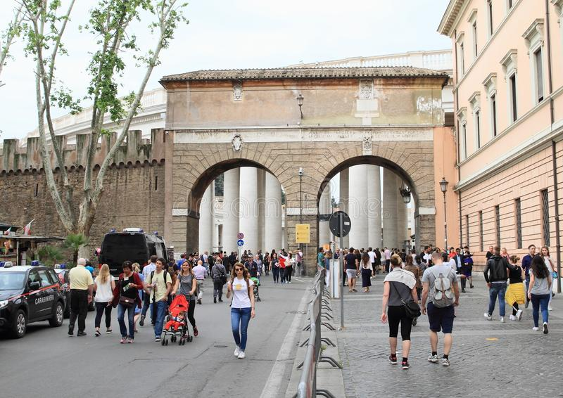 Είσοδος στη πόλη του Βατικανού στοκ φωτογραφία με δικαίωμα ελεύθερης χρήσης