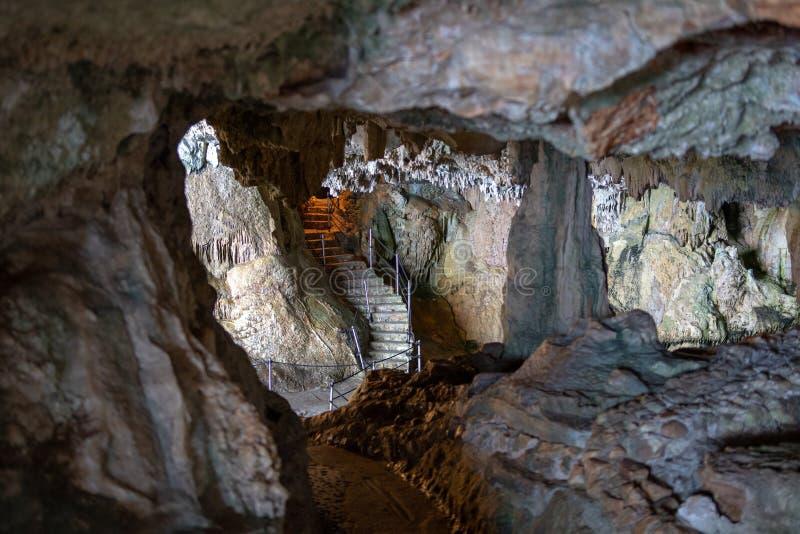 Είσοδος της σπηλιάς Ποσειδώνα, Alghero, Σαρδηνία Ιταλία στοκ εικόνα