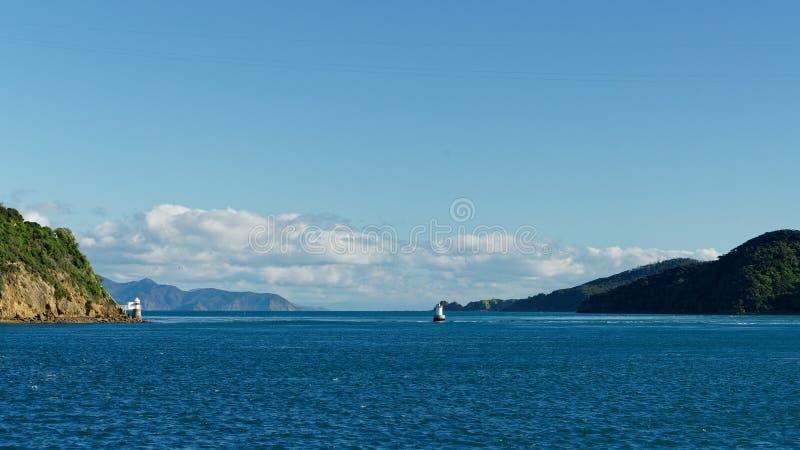 Είσοδος του γαλλικού περάσματος από την ανατολή, ήχοι Marlborough, Νέα Ζηλανδία στοκ εικόνες με δικαίωμα ελεύθερης χρήσης