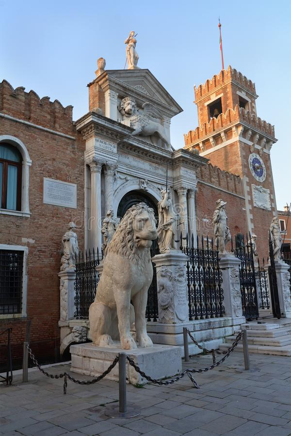 Είσοδος του οπλοστασίου στη Βενετία, Ιταλία στοκ εικόνες
