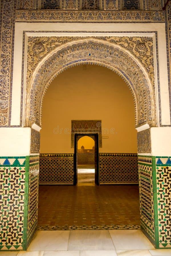 Είσοδος με τα αραβικά κίνητρα, καθεδρικός ναός της Σεβίλλης στοκ φωτογραφίες