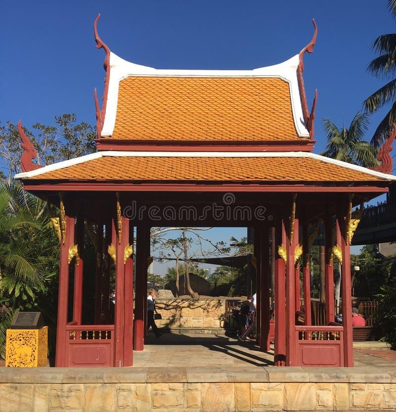 Είσοδος πυλών ναών ταϊλανδικός-ύφους στοκ εικόνες