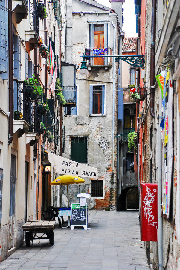 Είσοδος σε ένα εστιατόριο στη Βενετία, Ιταλία στοκ φωτογραφία με δικαίωμα ελεύθερης χρήσης
