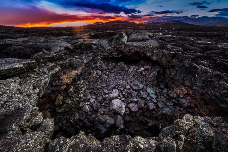 Είσοδος σπηλιών δροσοσταλίδων στοκ φωτογραφία με δικαίωμα ελεύθερης χρήσης