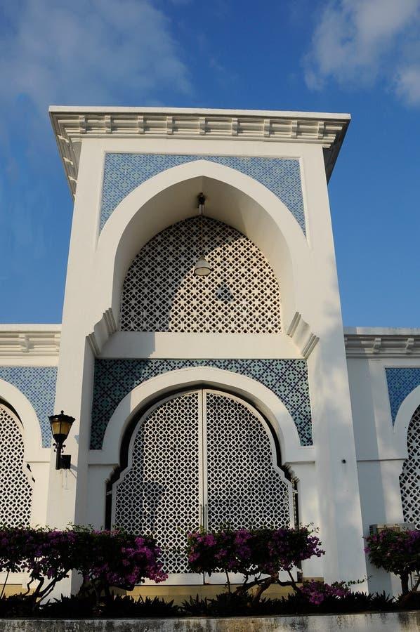 Είσοδος στο σουλτάνο Ahmad 1 μουσουλμανικό τέμενος σε Kuantan στοκ εικόνες