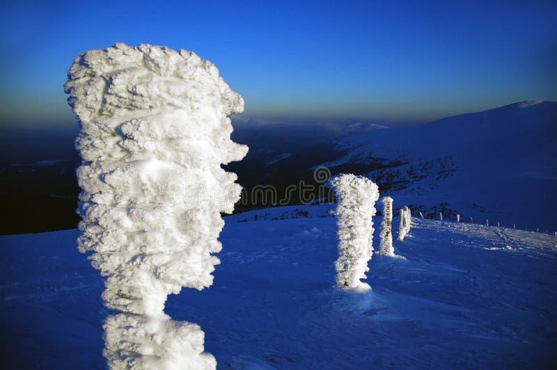 Είδωλο πάγου στα Καρπάθια βουνά