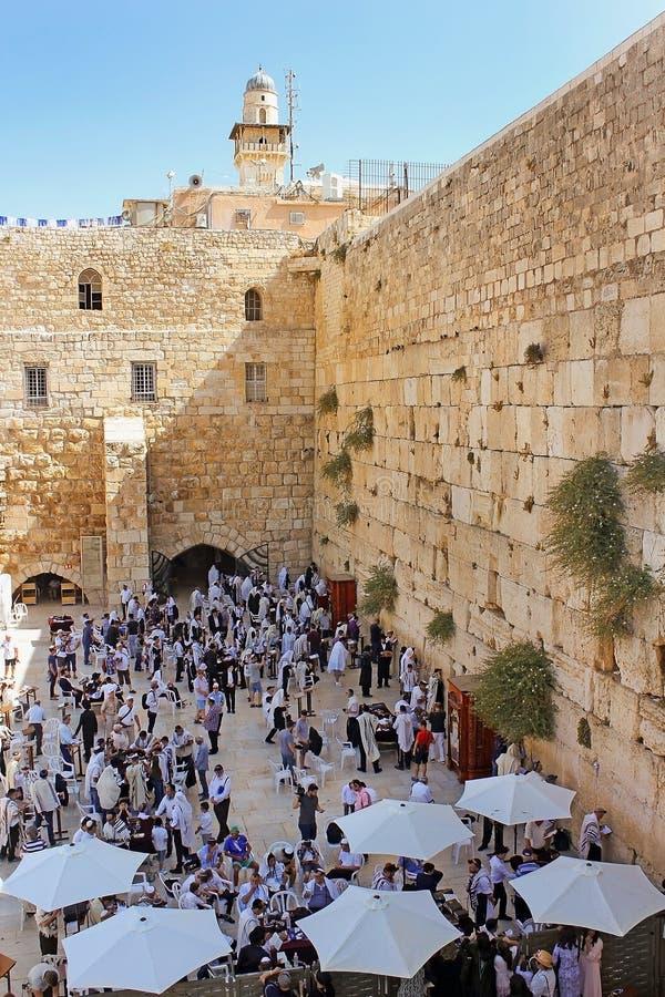Εβραίοι που προσεύχονται στον τοίχο Wailing, Ιερουσαλήμ στοκ φωτογραφία με δικαίωμα ελεύθερης χρήσης
