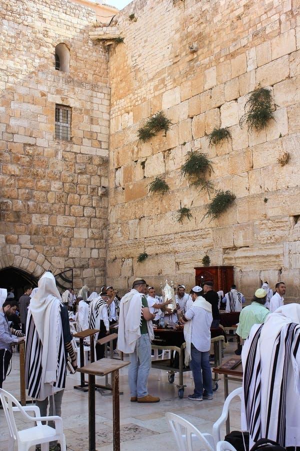 Εβραίοι που προσεύχονται στον τοίχο Wailing, Ιερουσαλήμ στοκ εικόνες