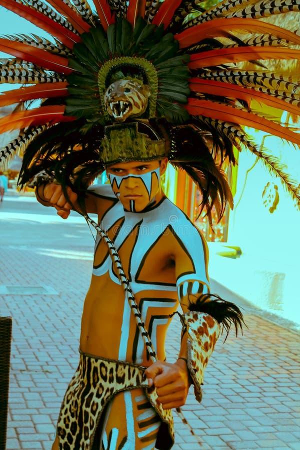 Εγγενής μεξικάνικος των Μάγια φορέας κοστουμιών στοκ εικόνα