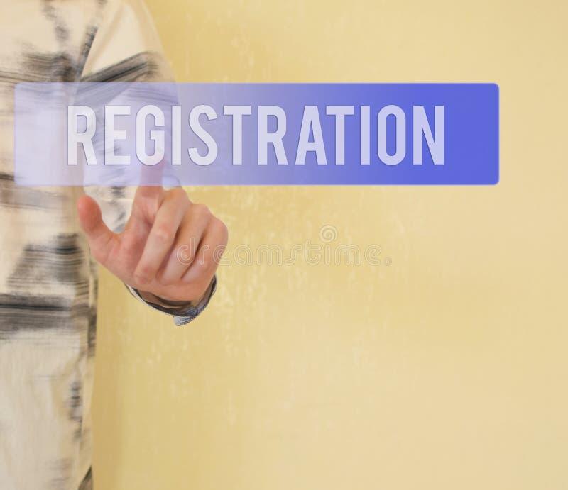 Εγγραφή - εικονικό κουμπί συμπίεσης χεριών στοκ φωτογραφία με δικαίωμα ελεύθερης χρήσης