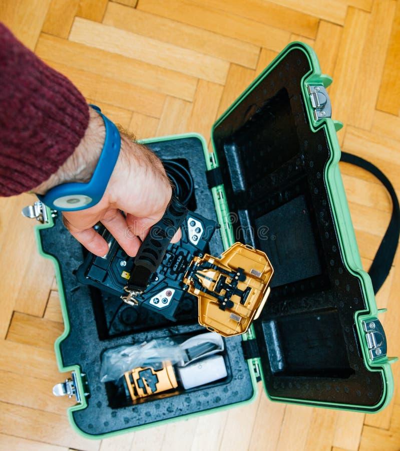 Εγκατάσταση οπτικών ινών στο σπίτι στοκ φωτογραφίες