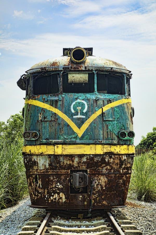 Εγκαταλειμμένη ατμομηχανή στο σιδηροδρομικό σταθμό σε Guilin, Guangxi Provi στοκ φωτογραφίες