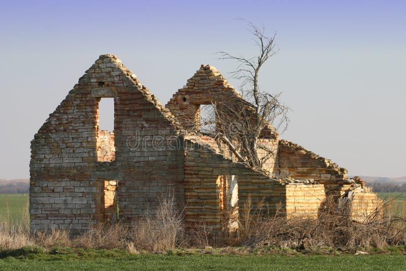 εγκαταλειμμένη παλαιά πέτρα αγροτικών σπιτιών στοκ εικόνες