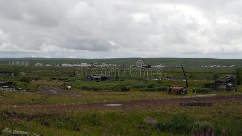 Εγκαταλειμμένη πόλη tundra στη βόρεια Ρωσία στοκ εικόνες με δικαίωμα ελεύθερης χρήσης