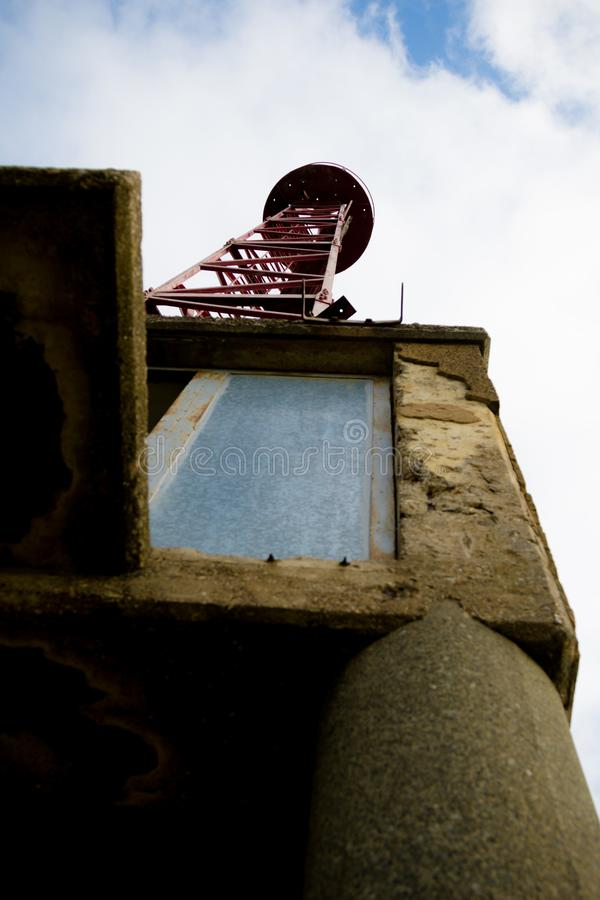 Εγκαταλελειμμένος πύργος ναυσιπλοΐας στοκ φωτογραφία με δικαίωμα ελεύθερης χρήσης