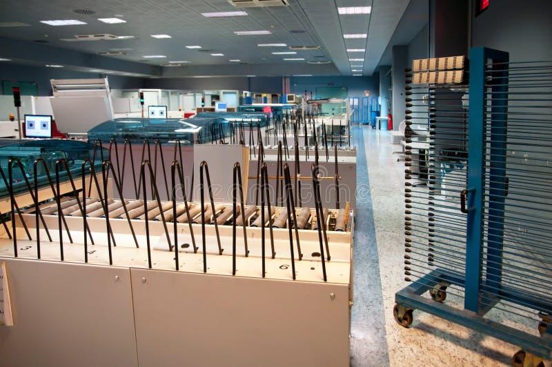 Εγκαταστάσεις εκτύπωσης - υπολογιστής ΚΠΜ (Κοινή Πολιτική Μεταφορών) στο τμήμα πιάτων στοκ φωτογραφία με δικαίωμα ελεύθερης χρήσης