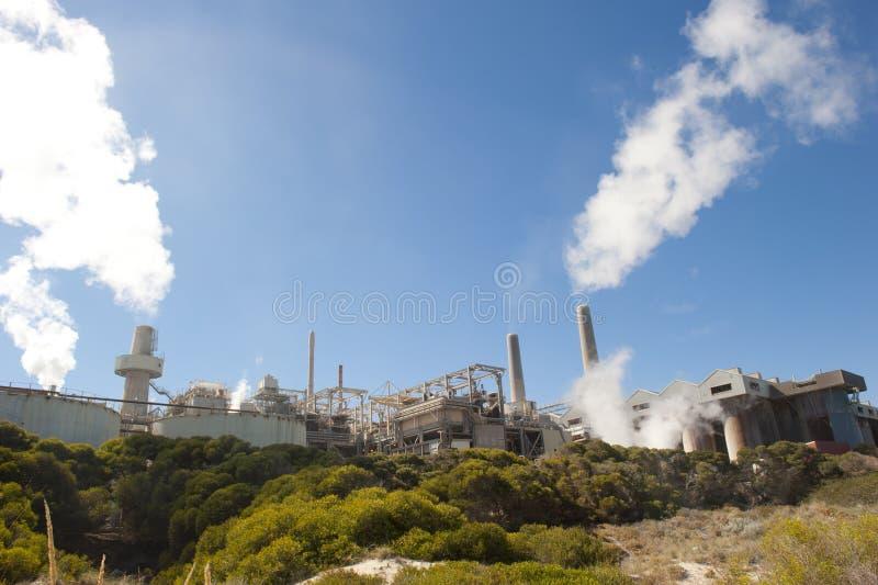 εγκαταστάσεις καθαρισμού φυτών αλουμινίου στοκ εικόνα