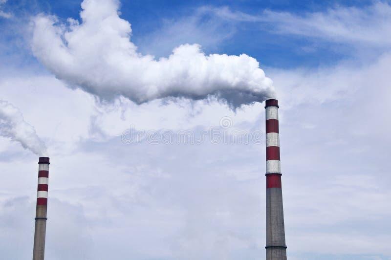 Εγκαταστάσεις παραγωγής ενέργειας άνθρακα στοκ εικόνα με δικαίωμα ελεύθερης χρήσης
