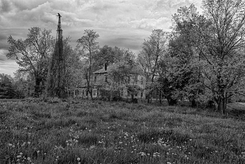 Εγκαταλείψτε το αγροτικό σπίτι στοκ φωτογραφία με δικαίωμα ελεύθερης χρήσης